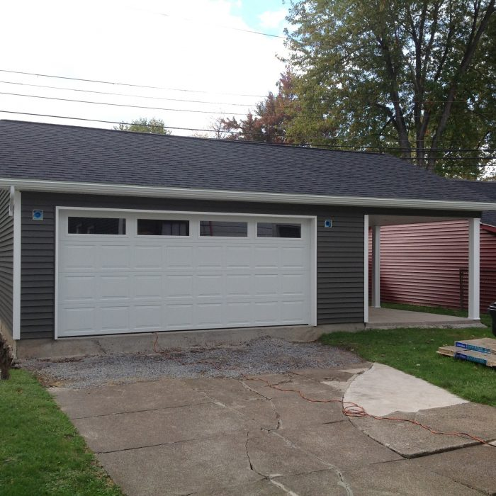Detached Garage with patio